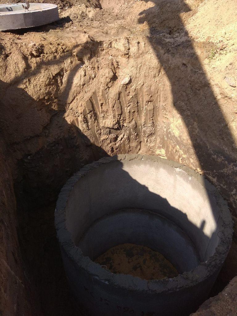 http://excavatortut.by/wp-content/uploads/2018/07/koltsa-betonnyye-3.jpg